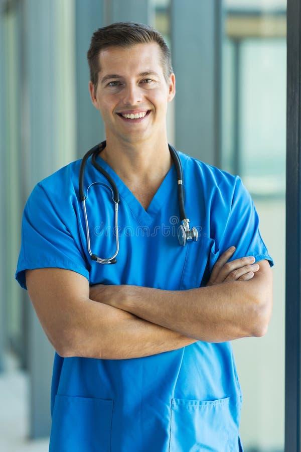 Молодой медицинский intern стоковые фотографии rf