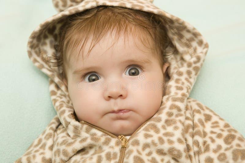 Download Молодой портрет младенца стоковое изображение. изображение насчитывающей содержание - 41658643