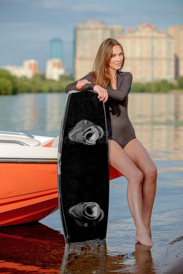Молодой серфер стоковые фото