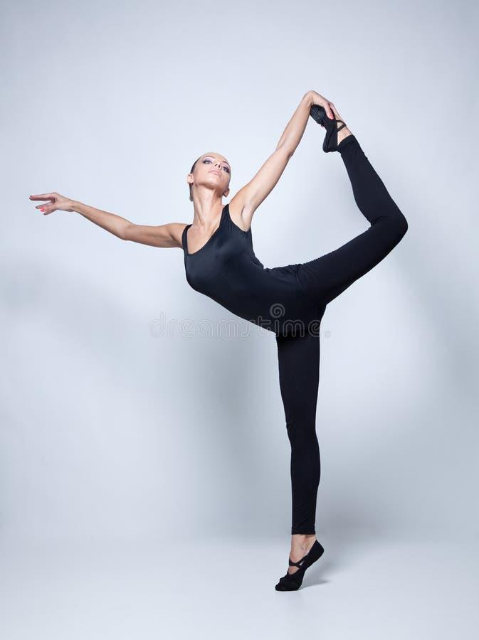 Молодой танцор стоковое изображение