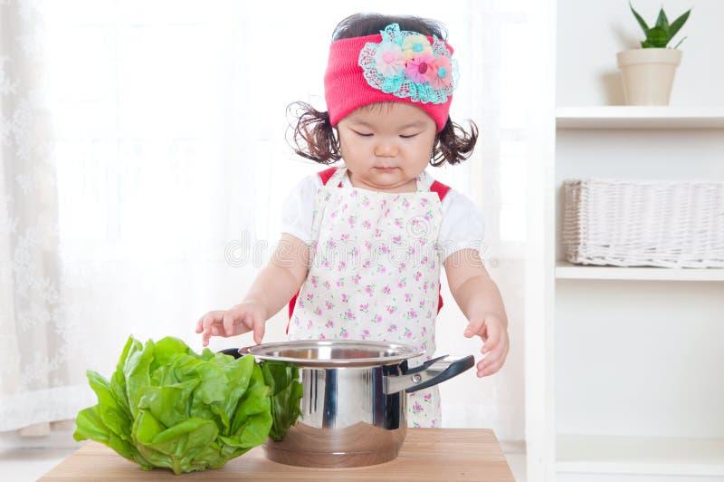 Молодой шеф-повар стоковое фото