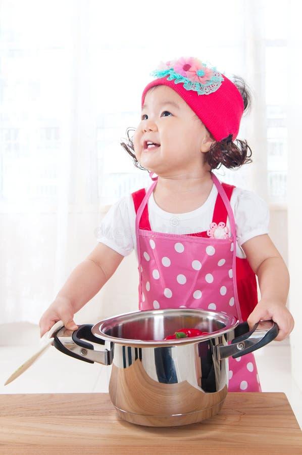 Молодой шеф-повар стоковая фотография rf