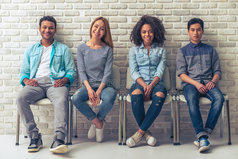 Молодые международные студенты стоковое фото