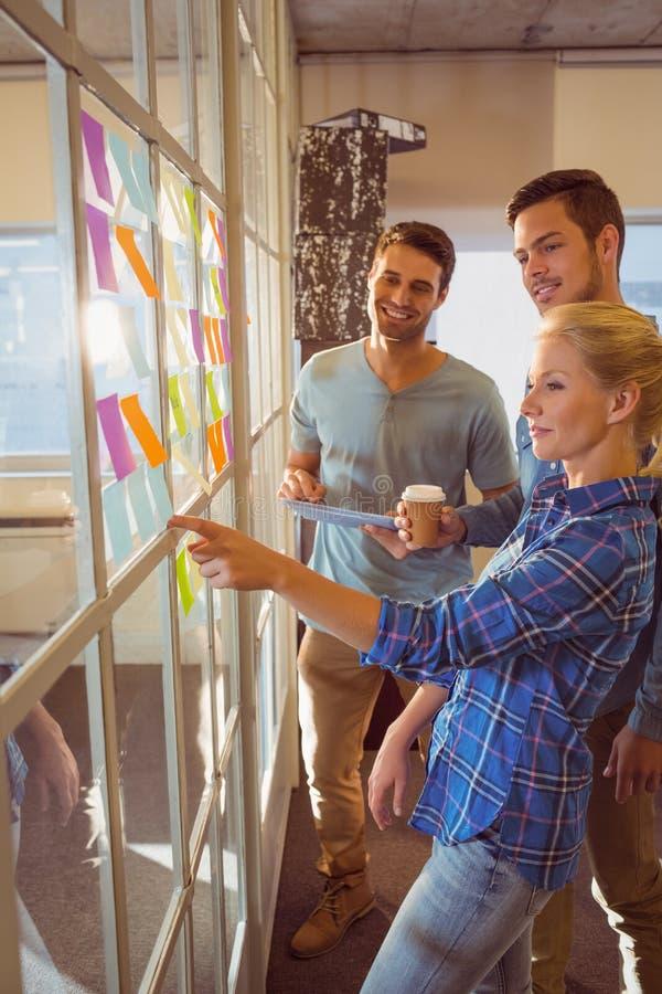 Молодые творческие бизнесмены стоковое фото rf
