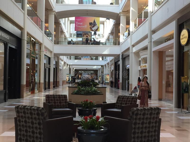 Мол Westchester в White Plains, Нью-Йорке стоковое изображение