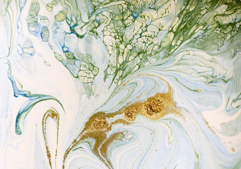Мраморизованная синь, зеленый цвет и предпосылка золота абстрактная Жидкостная мраморная картина стоковая фотография rf