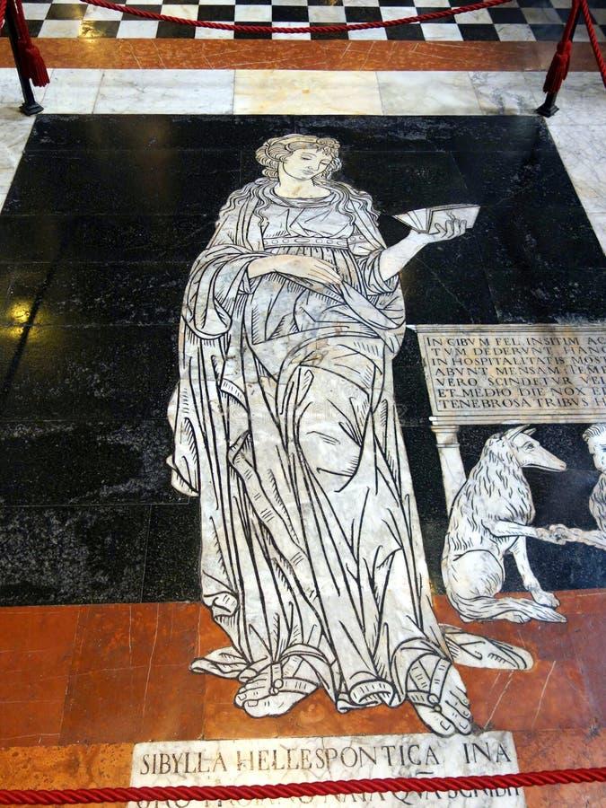 Мраморная мозаика, собор Сиены, Тоскана, Италия стоковые фото
