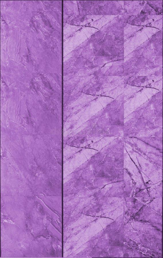 мраморная текстура стены плитки в пурпуре стоковое фото rf