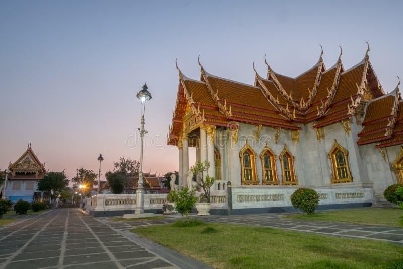 Мраморная церковь буддизма в виске Wat Benchamabopit Dusitvanaram стоковое фото rf