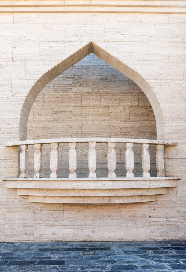 Мраморный балкон в Дохе стоковое изображение rf