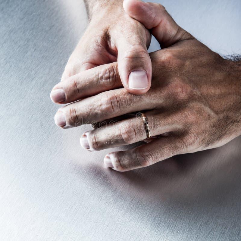 Смотреть мужские ласки рукой