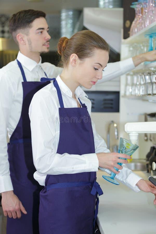 Мужской и женский штат сервировки стоковое изображение rf