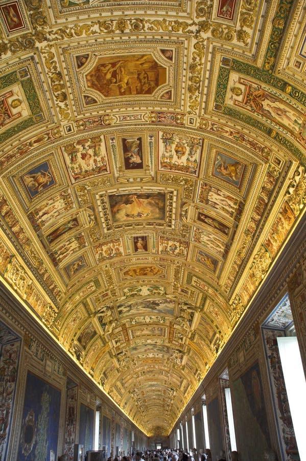 музеи vatican корридоров стоковая фотография rf