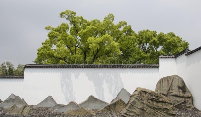 Музей Сучжоу и вода внутреннего двора стоковые фото