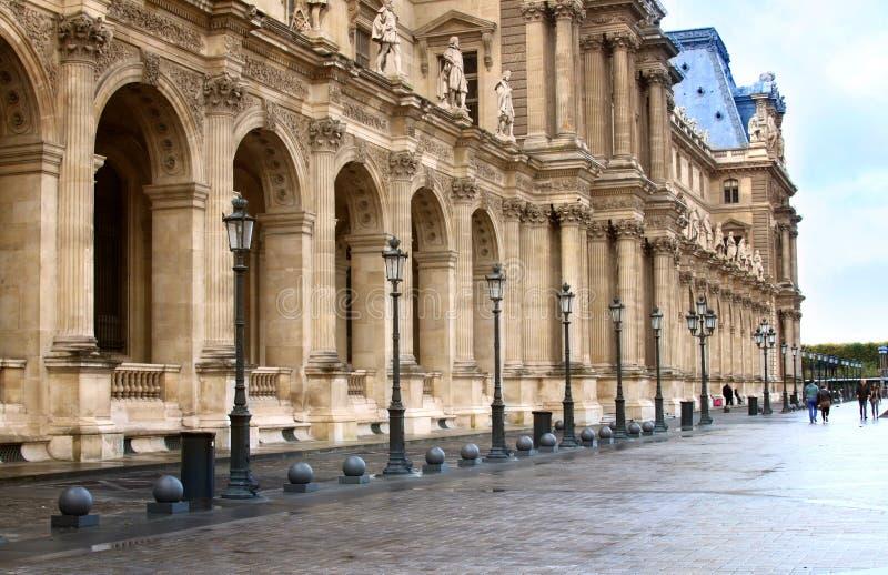 Музей lourve Парижа стоковое фото rf