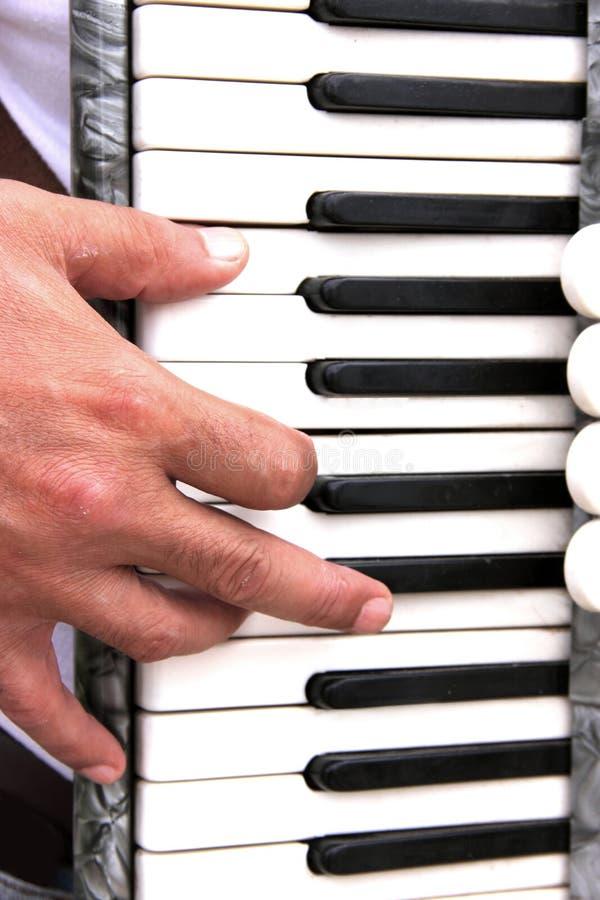 музыкант руки стоковые изображения rf