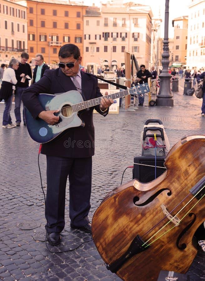 Музыкант улицы в Рим стоковая фотография rf