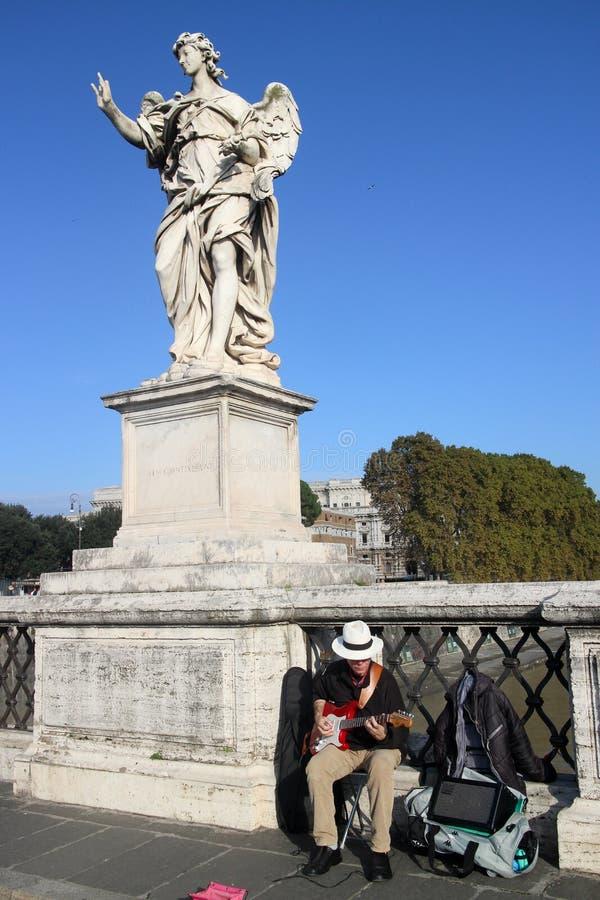 Музыкант улицы в Риме стоковая фотография rf