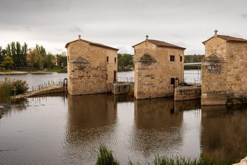 Мукомольный завод на реке Дору, Самора стоковое фото