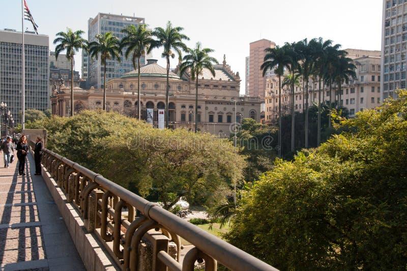 Download Муниципальный театр Сан-Паулу Редакционное Стоковое Изображение - изображение насчитывающей paulo, тип: 33725664