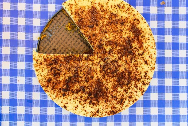 Мусс шоколадного торта варя партию куска стоковое изображение