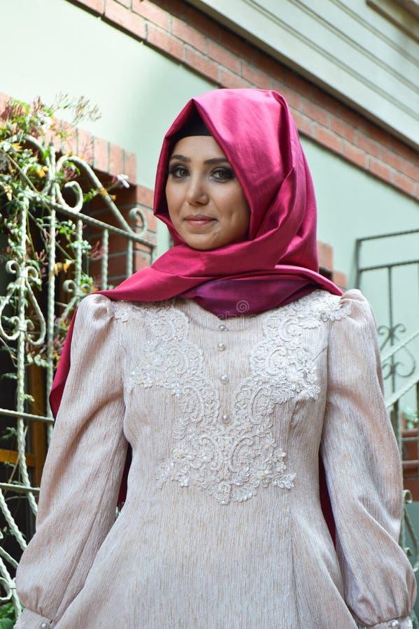 Мусульманская молодая женщина стоковая фотография