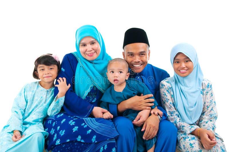 Мусульманская семья стоковая фотография rf