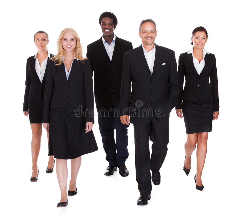 Мульти-расовая группа в составе бизнесмены стоковое изображение rf