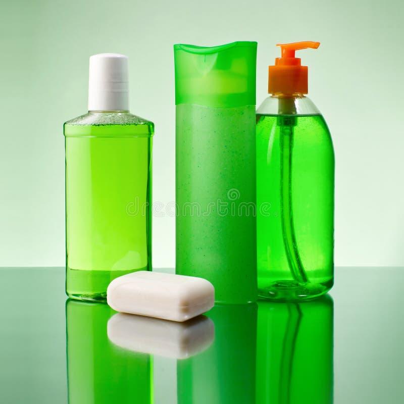 Мыло и шампунь стоковые изображения rf