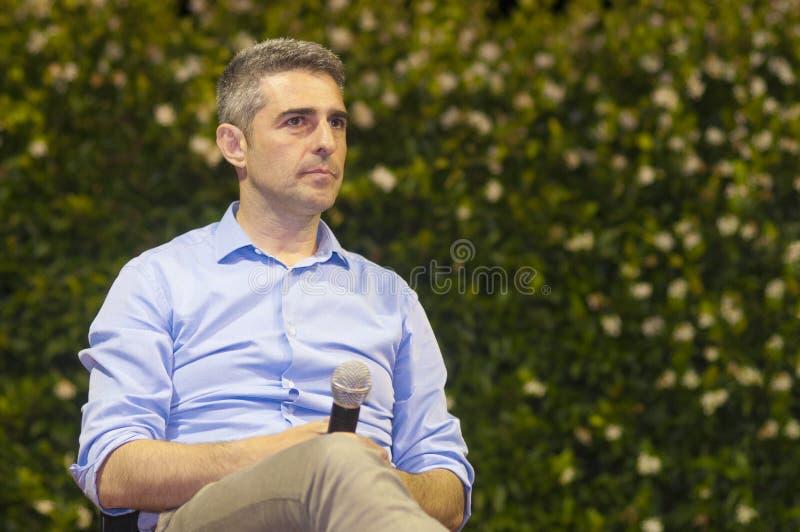 Мэр Federico Pizzarotti Пармы во время спора на партии единства итальянской Демократической партии стоковые изображения rf