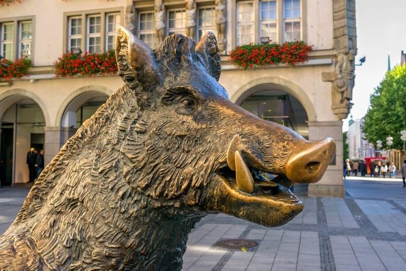 Мюнхен, Германия - 16-ое октября 2011: Хряк статуи бронзовый стоковая фотография rf