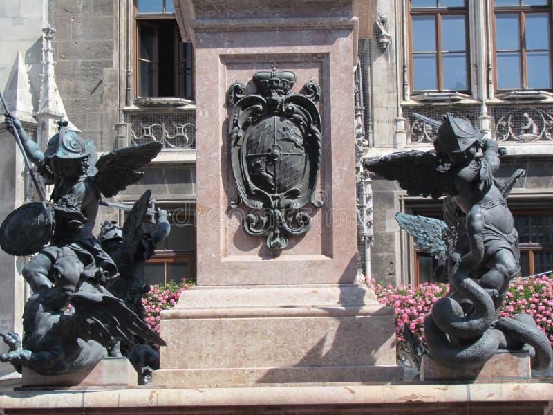 Мюнхен около rathaus стоковые изображения rf