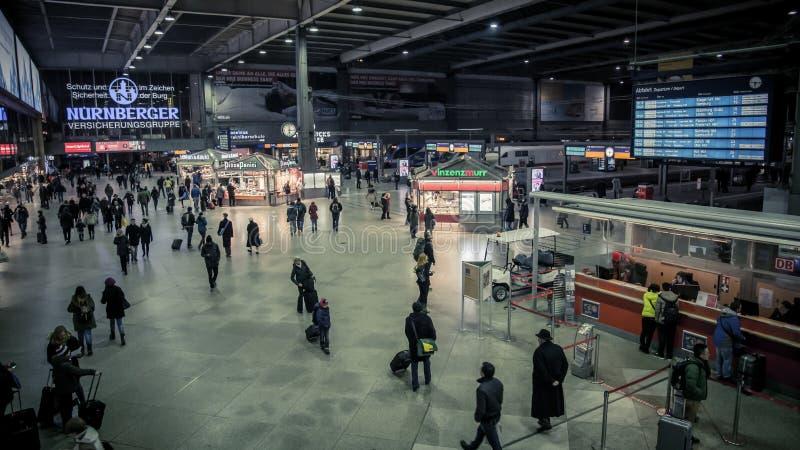 Мюнхен Hauptbahnhof главным образом железнодорожный вокзал в городе Мюнхена, Германии стоковые фото