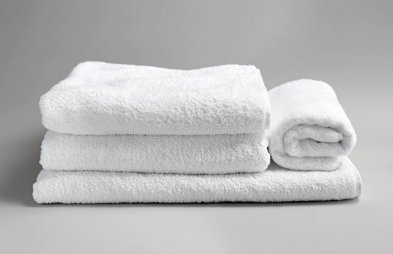 Мягкие полотенца ванны стоковая фотография rf