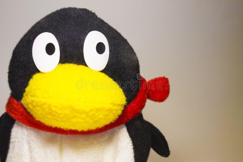 Мягкий пингвин игрушки стоковые изображения