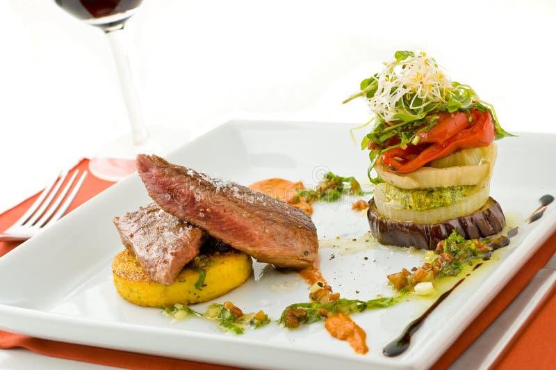 мясо лакомки тарелки стоковая фотография