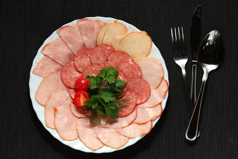 Мясо послужено в ресторане стоковое фото rf