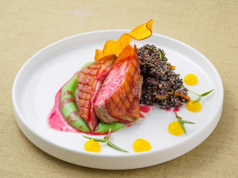Мясо сваренное на гриле стоковые фотографии rf