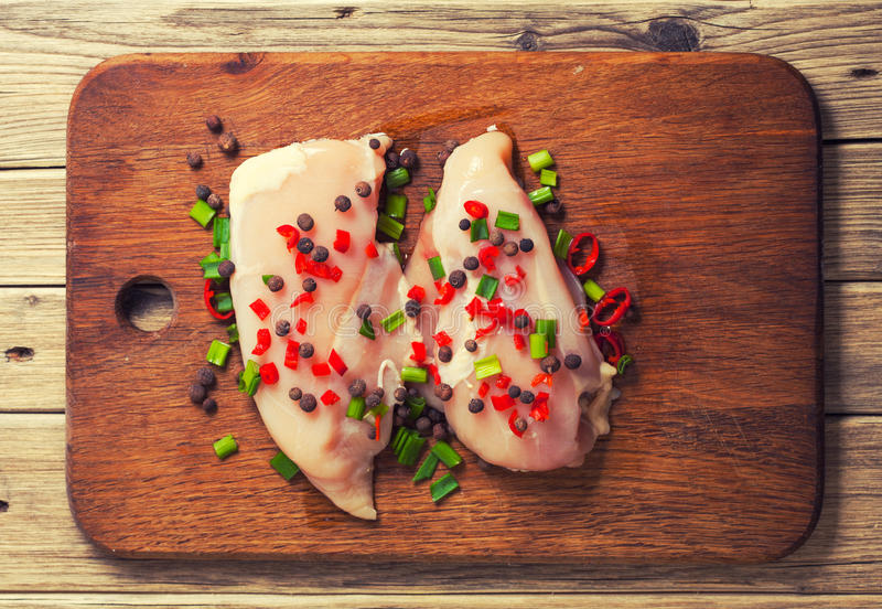 мясо цыпленка свежее стоковые изображения