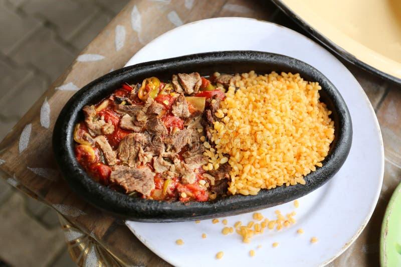 Мясо Skillet с рисом стоковое фото