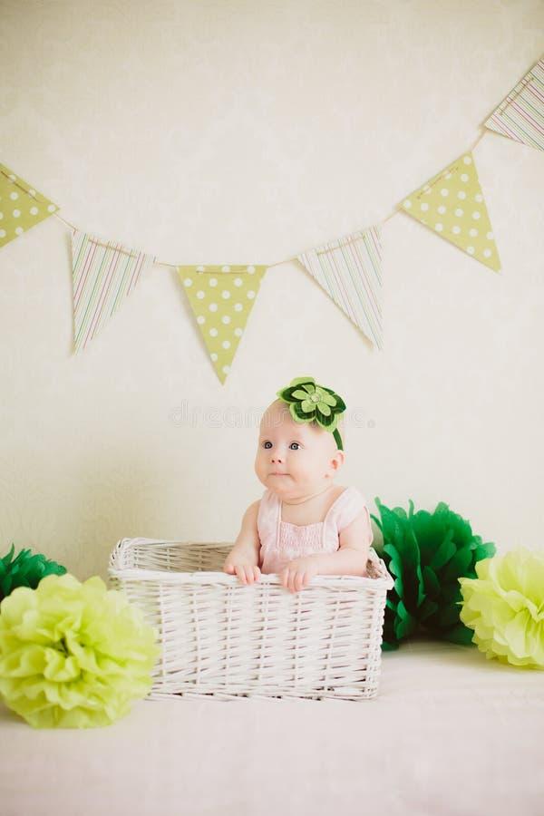 Младенец в коробке стоковое фото rf