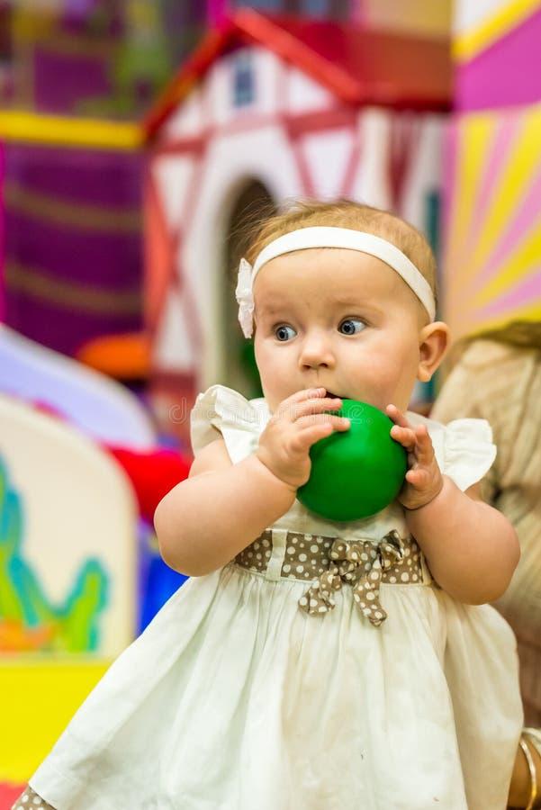 Младенец в питомнике стоковое фото rf