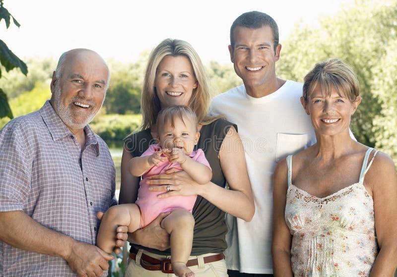 Младенец с родителями и дедами стоковые фотографии rf