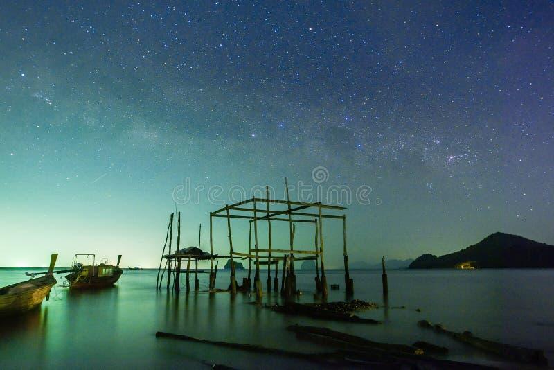 Млечный путь на острове Yao noi стоковые изображения rf