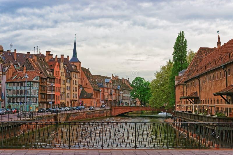 Набережная больного реки в страсбурге в Франции стоковые фото