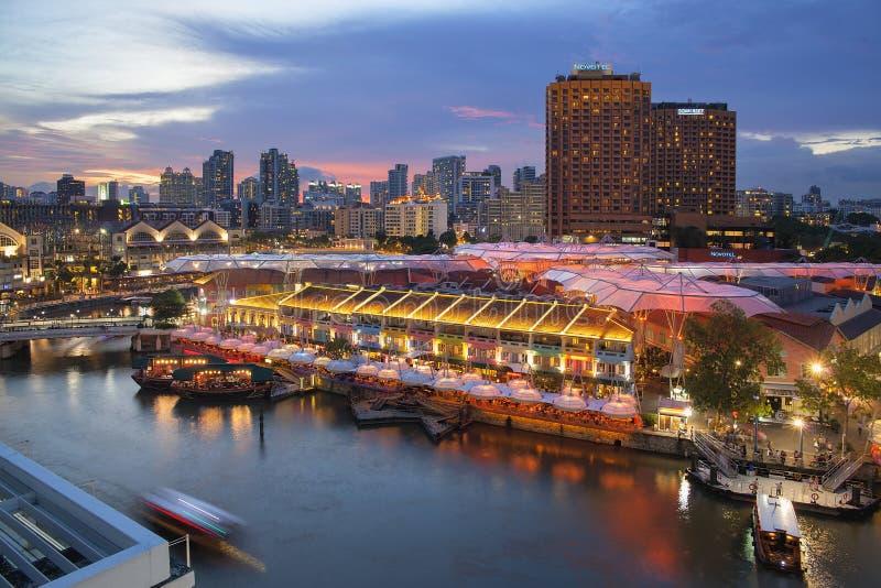 Набережная Сингапура Кларка после захода солнца стоковые фотографии rf