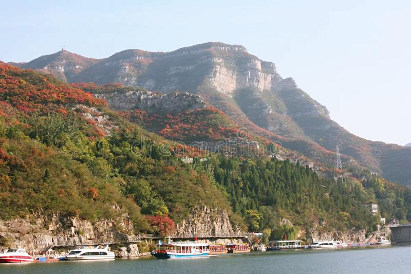 Набережная Цинтянхе, Цзяодзуо, Китай стоковое фото