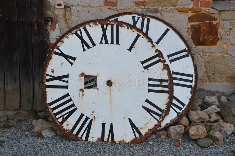Download Набирает старую башню с часами Стоковое Фото - изображение насчитывающей диаграммы, механики: 33731180