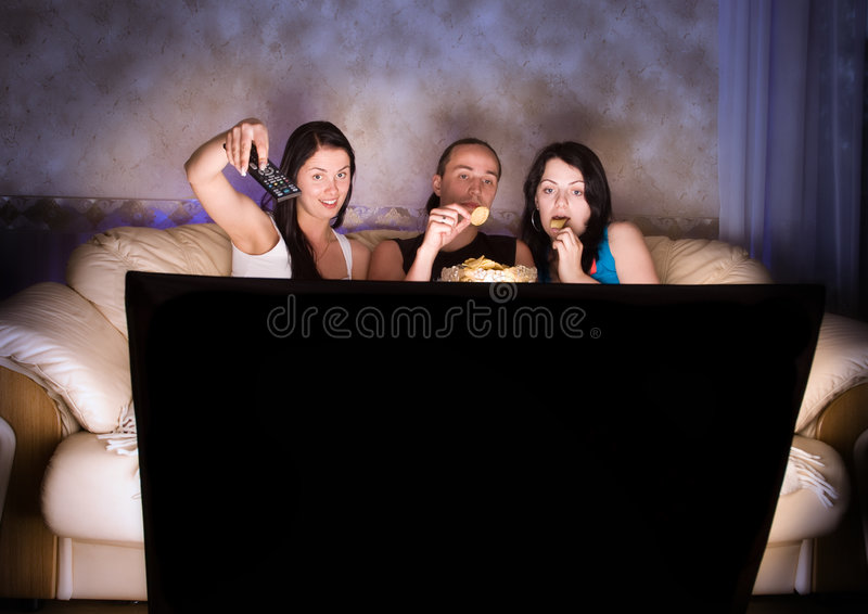 наблюдать tv друзей 3 стоковое изображение rf