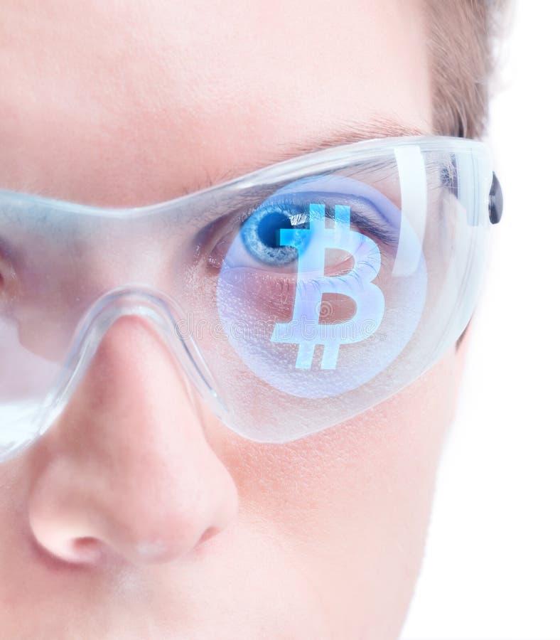 Наблюдая bitcoin стоковое изображение rf